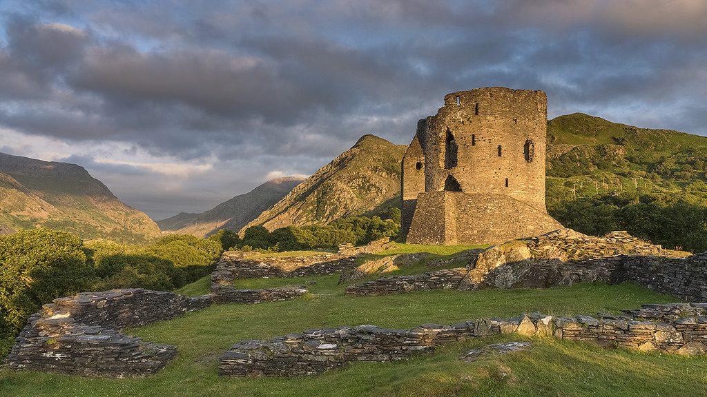 Snowdonia dolbardan castle