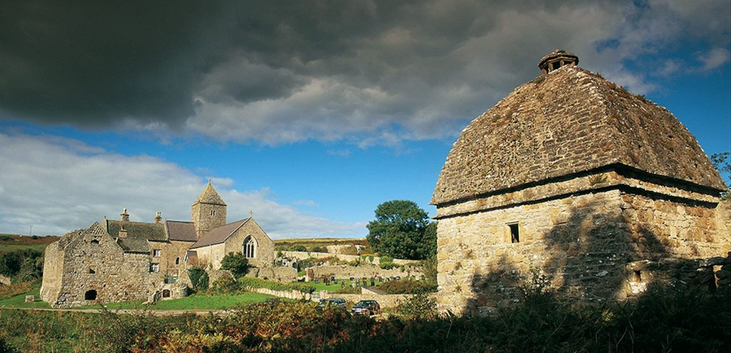Galles: Penmon Priory