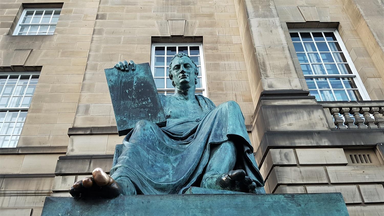 oyal Mile statua di David Hume