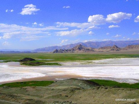 Paesaggi mongoli 2- Lago salato nella zona dei Monti Altai