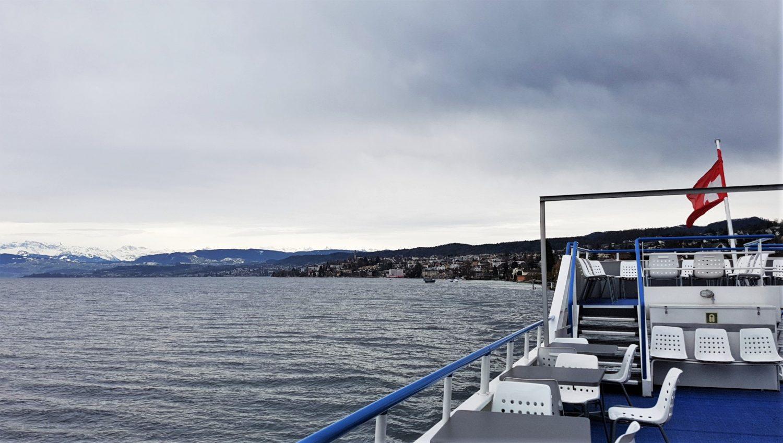 In traghetto sul lago di Zurigo