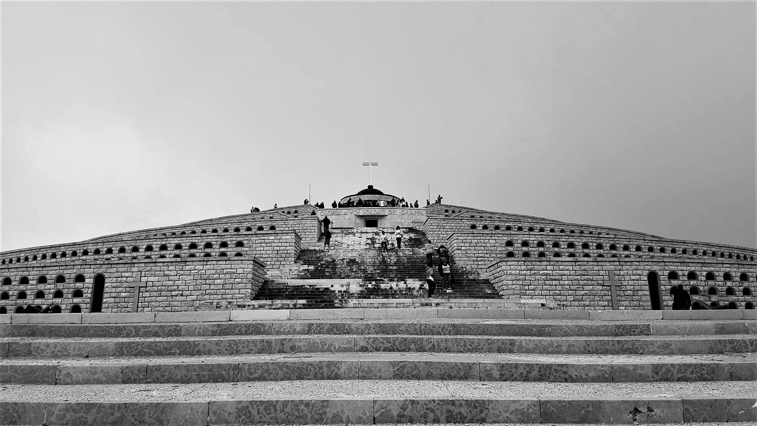 Visitare il sacrario militare del monte grappa