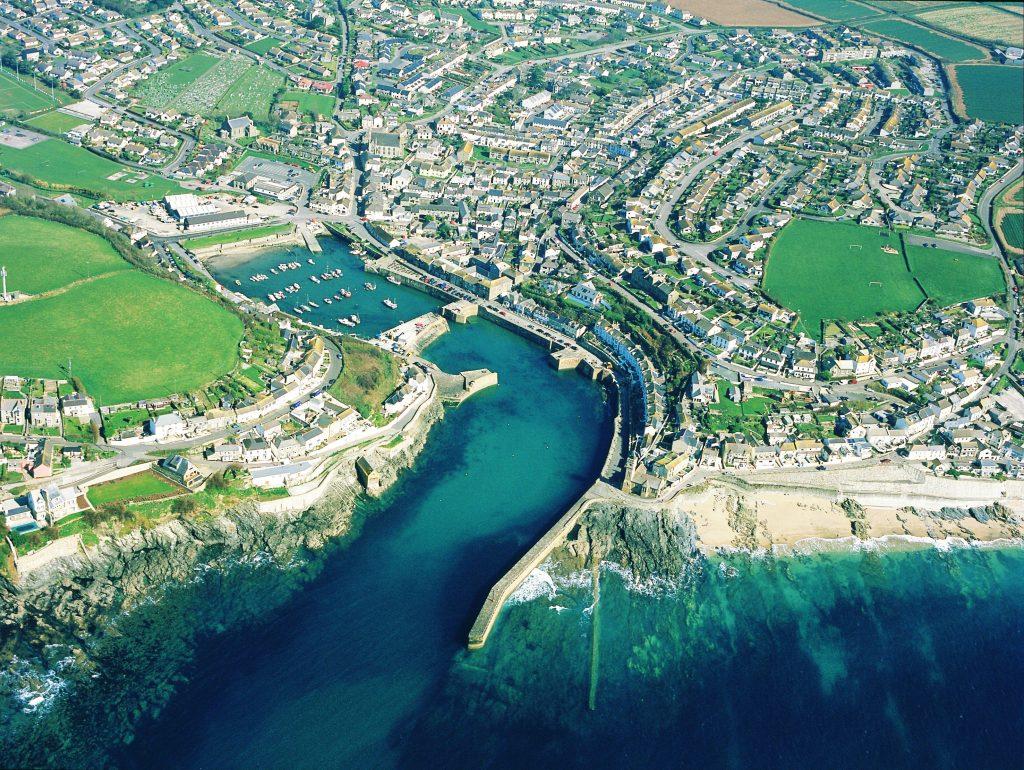 Il molo di Porthleven in Cornovaglia
