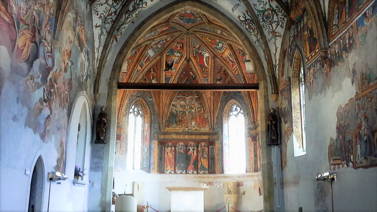 San Pietro interno