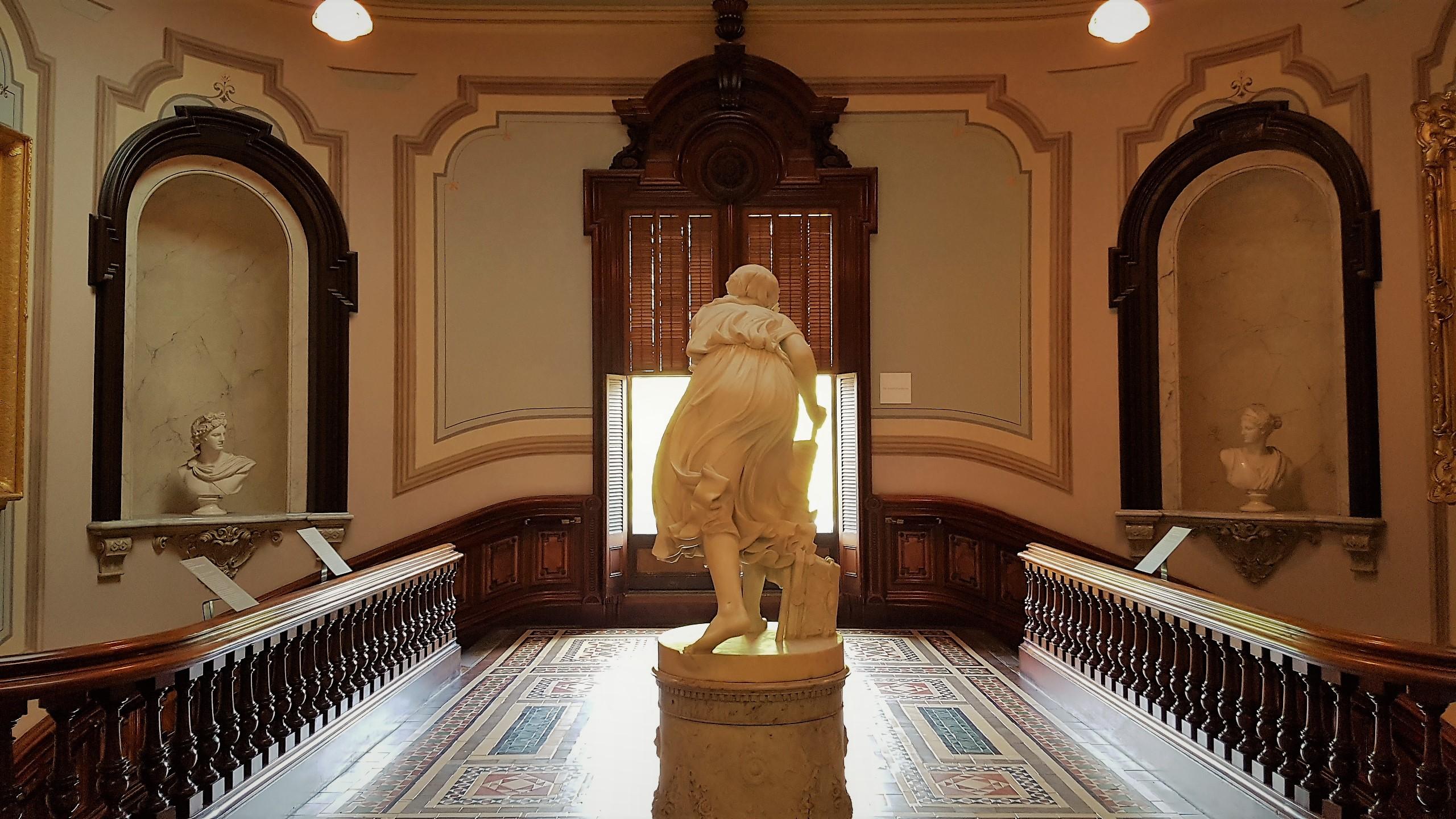 interno statua