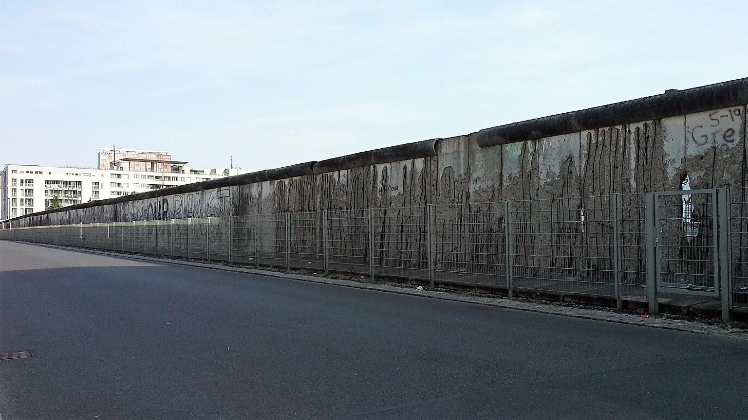 muro di berlino Niederkircherstrasse