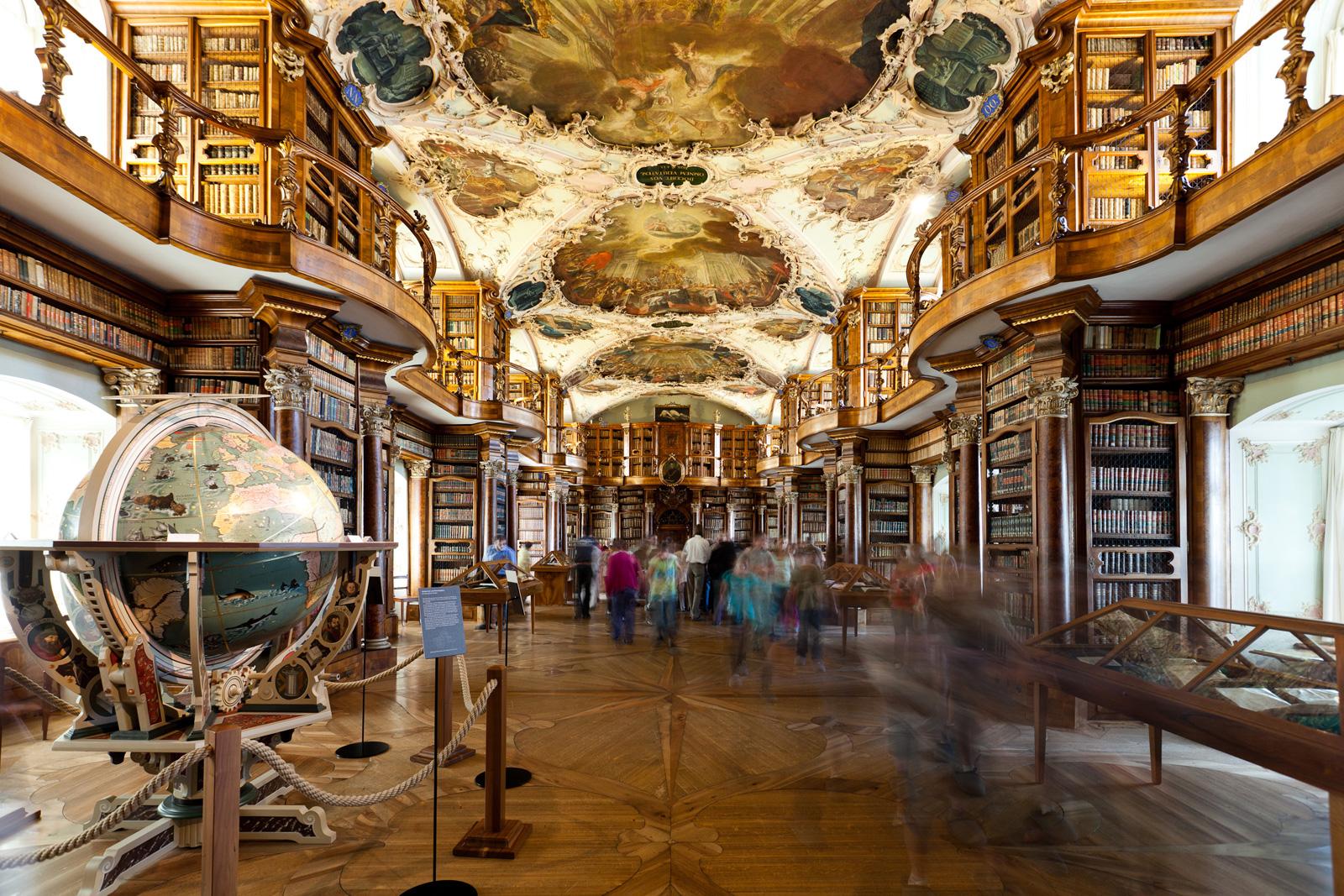 Stiftsbibliothek-St Gallen