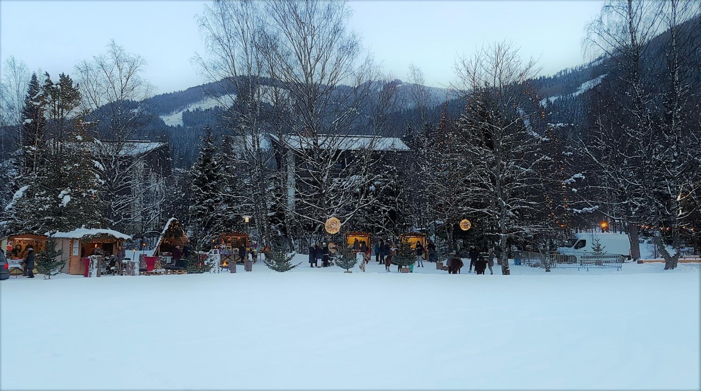 mercatino con neve