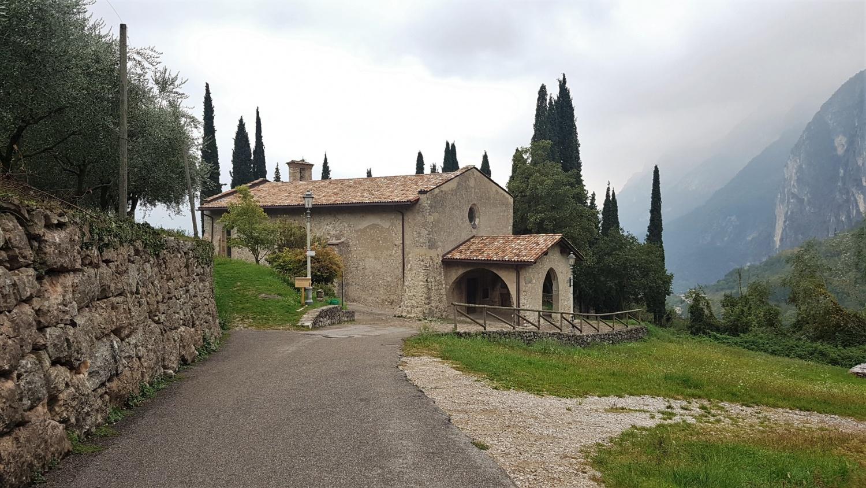 chiesa antica tenno