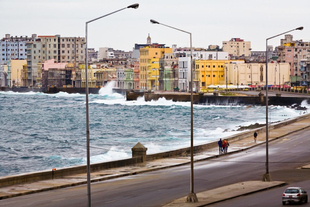 Il lungo mare La Habana