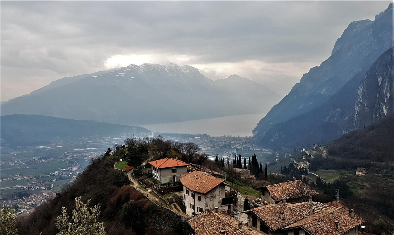 Panorama sentiero Grom Tenno