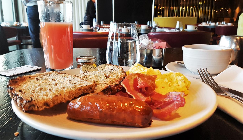 piatto colazione mondrian