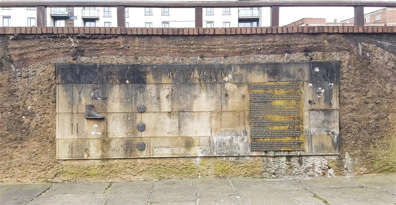 Dove si trova il forte romano di Manchester