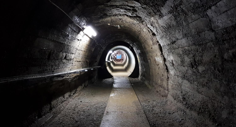 galleria con treno miniera cogne