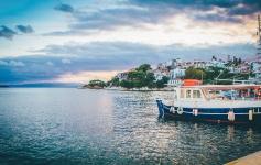 Noleggio barca a vela e vacanza in tour delle isole in Grecia
