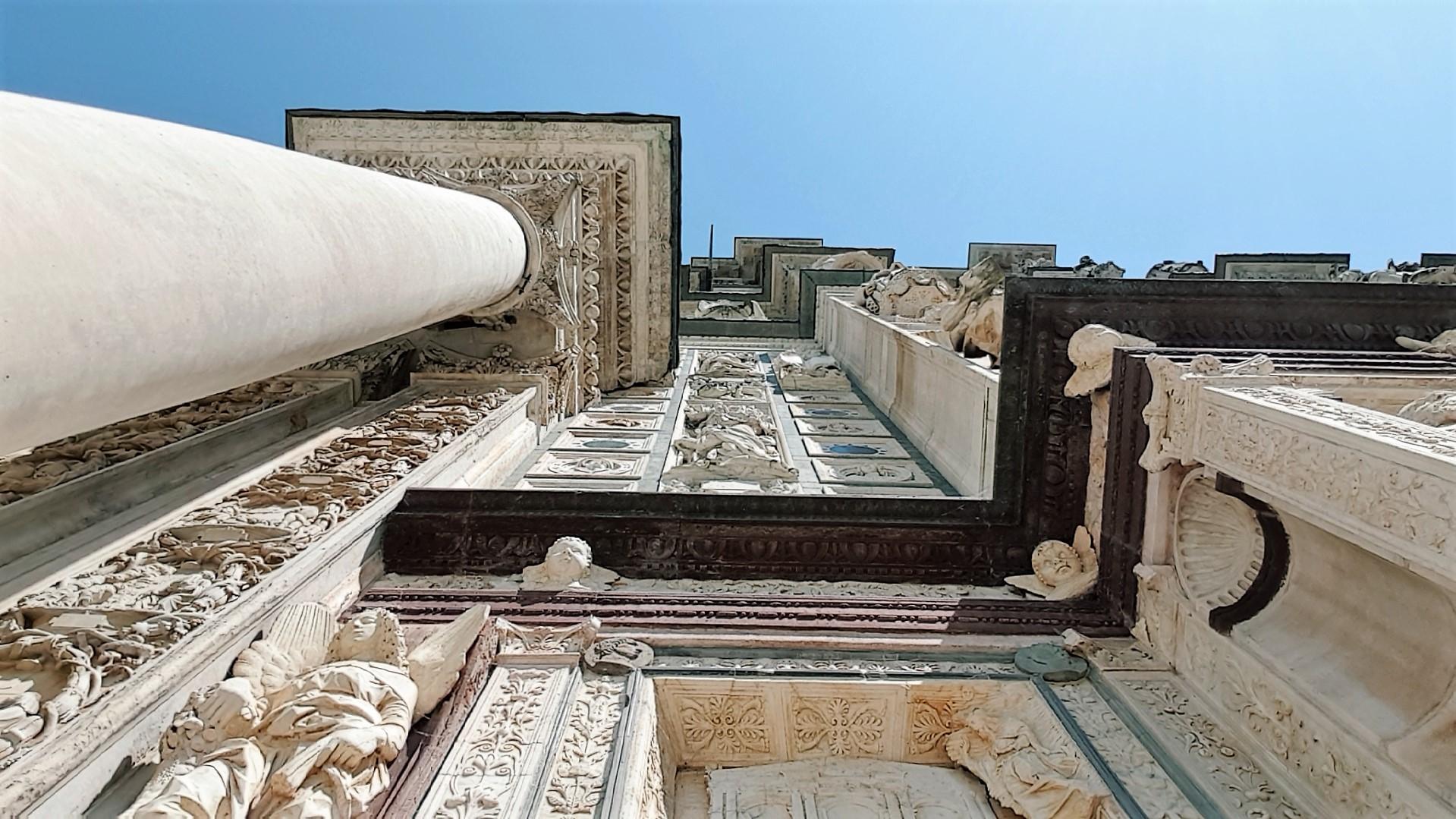 Parte esterna Certosa Pavia