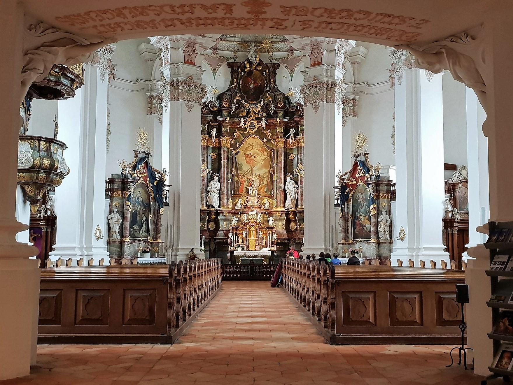 interno chiesa Steinhausen