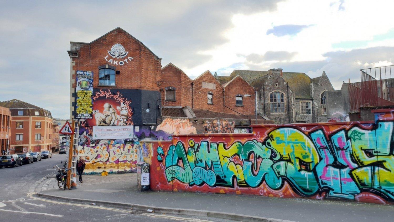 Bristol e la street art: un itinerario per visitare Stokes Croft
