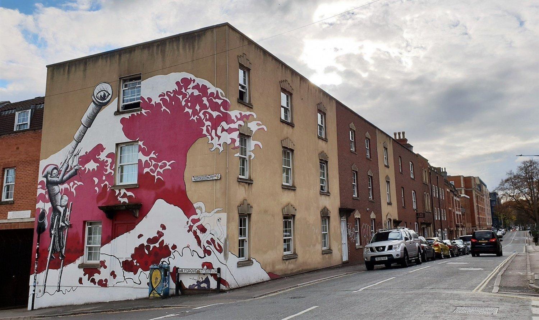 Onda di Hokusai Hillgrove Street Bristol