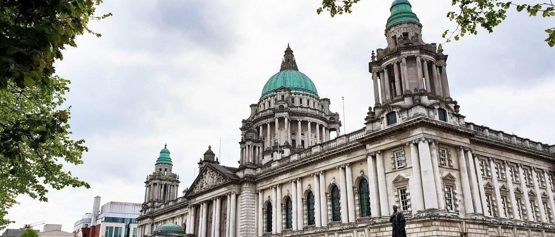 Belfast Visitare la City Hall