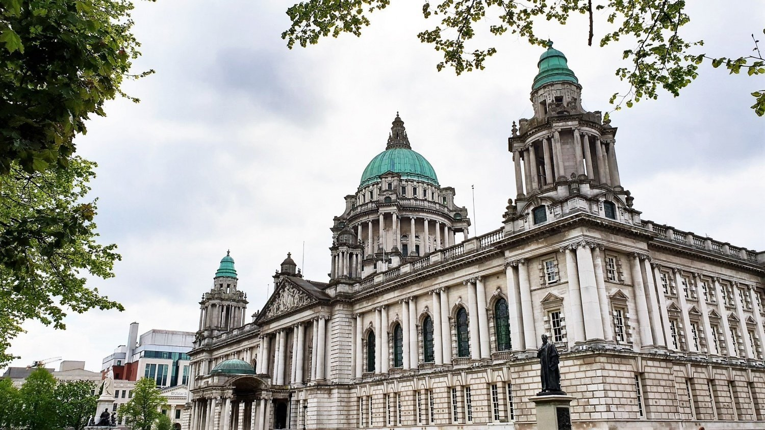 Belfast Visitare la City Hall