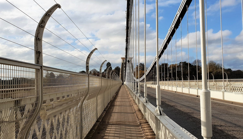 Camminare sul Clifton Bridge