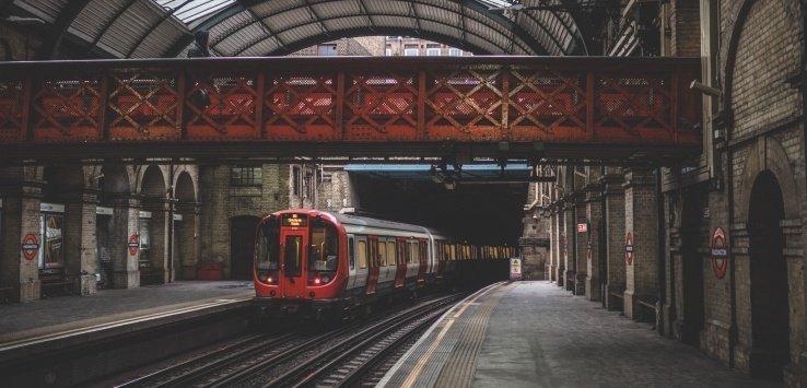 Viaggiare in treno in Gran Bretagna
