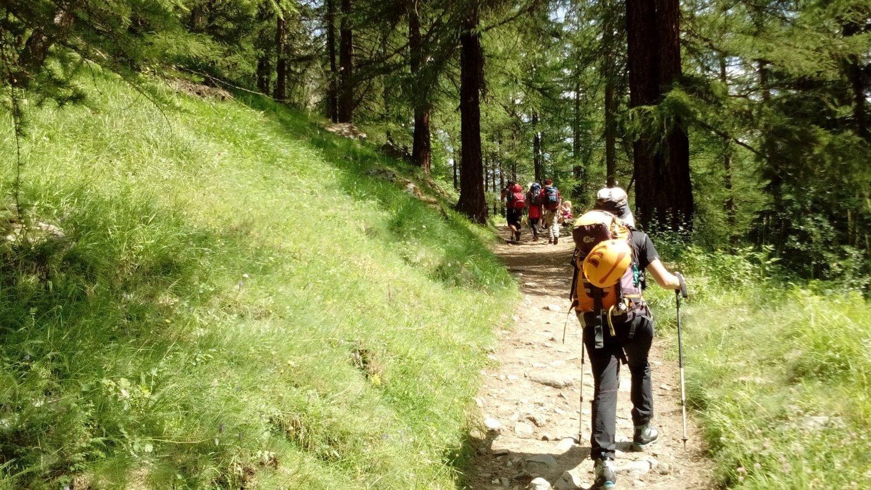 trekking verso il rifugio Sella