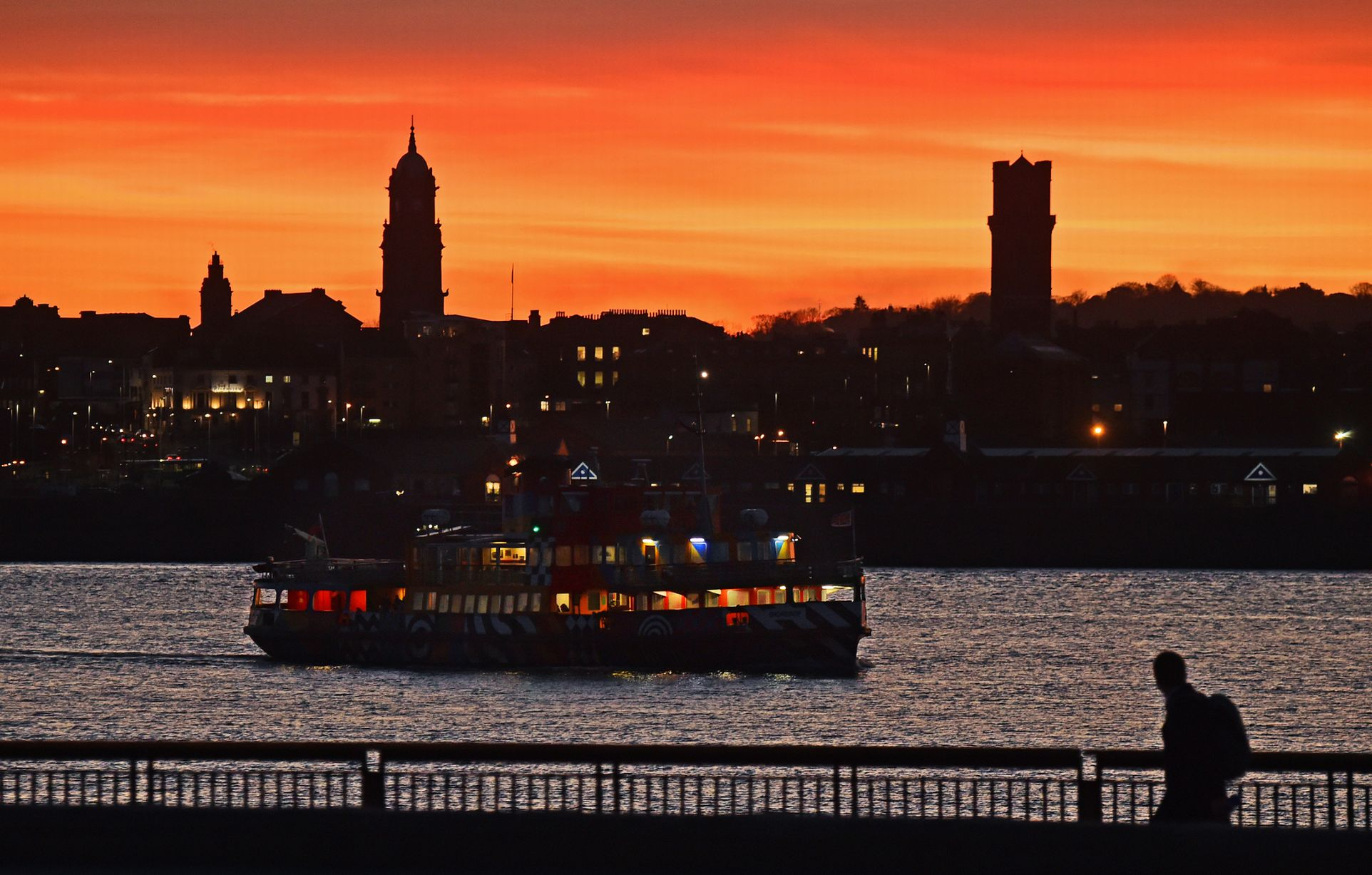 Tramonto sul Mersey a Liverpool