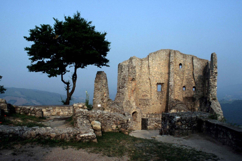 Castello di Canossa e Matilde