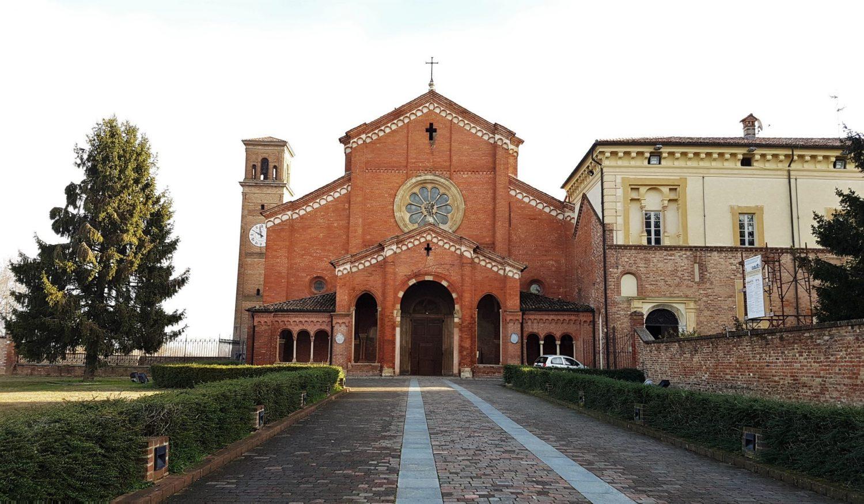 Dove si trova l'abbazia di Chiaravalle e come raggiungerla