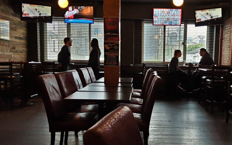 Cosa aspettarsi dal Pat's Pub di Vancouver