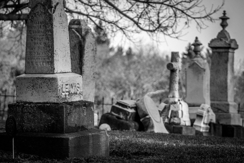 Visitare i cimiteri in viaggio