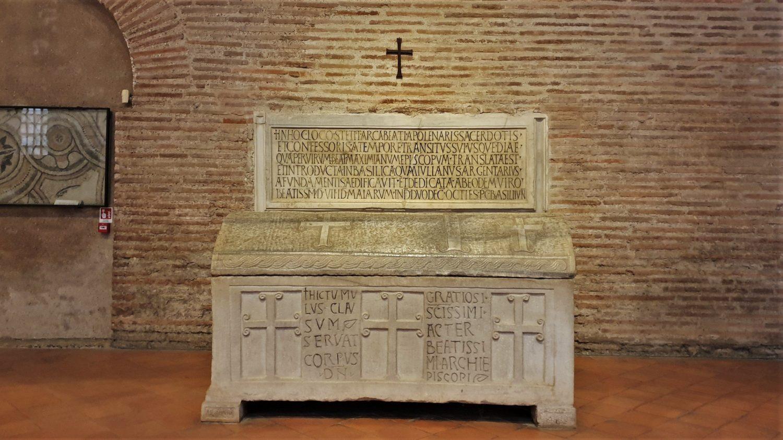 Le tombe antiche