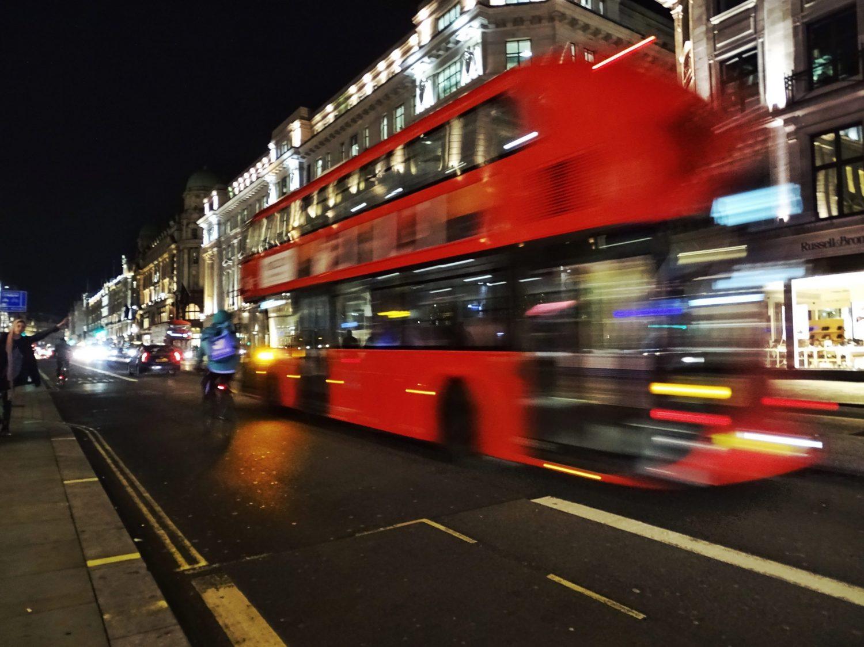Viaggiare con i mezzi pubblici in Gran Bretagna