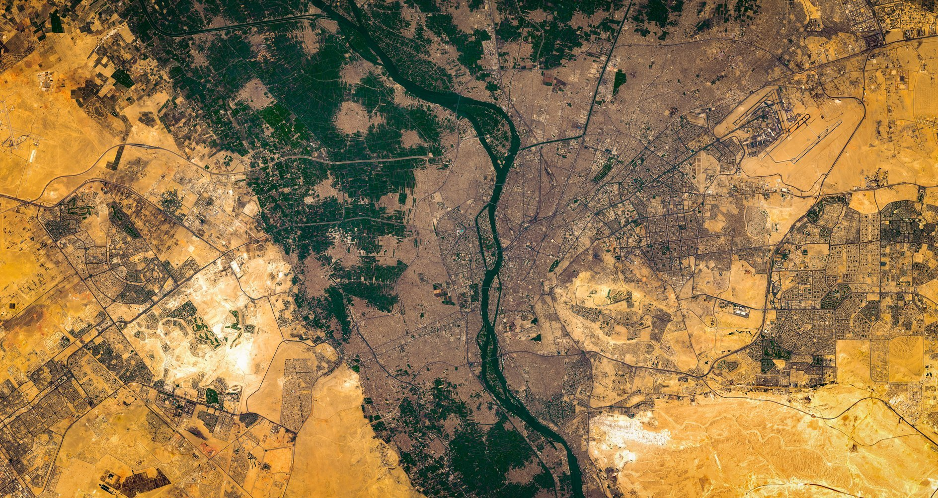 Il Nilo e l'Egitto visti dall'alto
