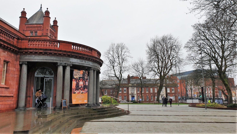 Dove si trova la Whitworth Gallery a Manchester