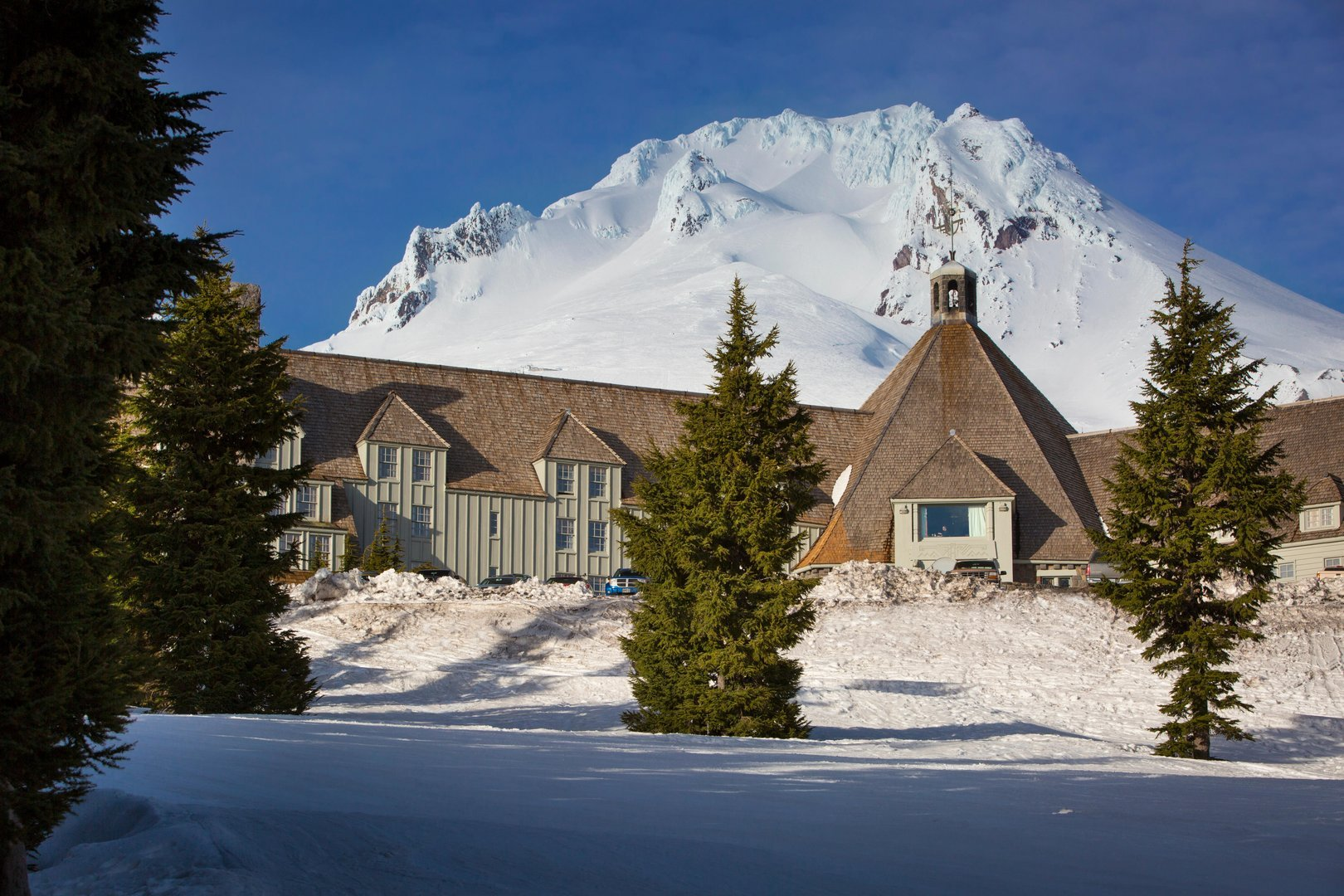 Timberline Lodge Shining