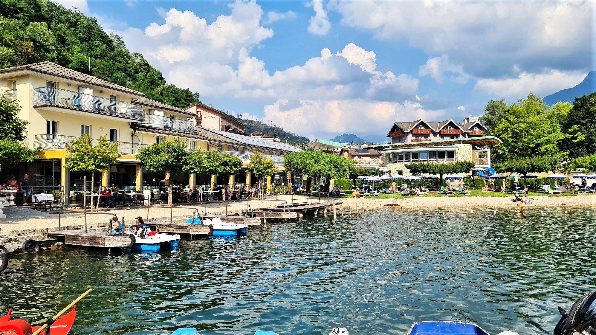 La spiaggia del Parc Hotel du Lac