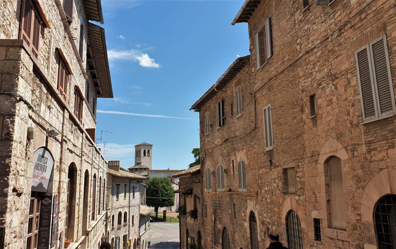 Raggiungere Assisi e parcheggiare in città