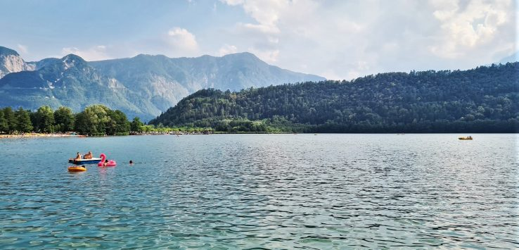 Viaggiare in Italia una giornata estiva al Lago di Levico