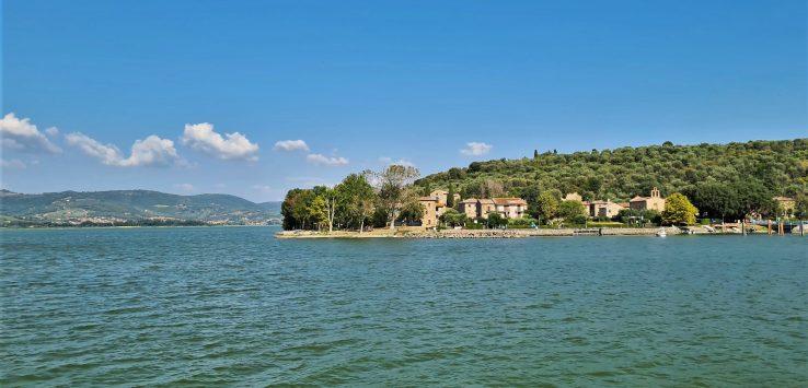 Cosa fare sul Lago Trasimeno in Umbria Visitare l'Isola Maggiore