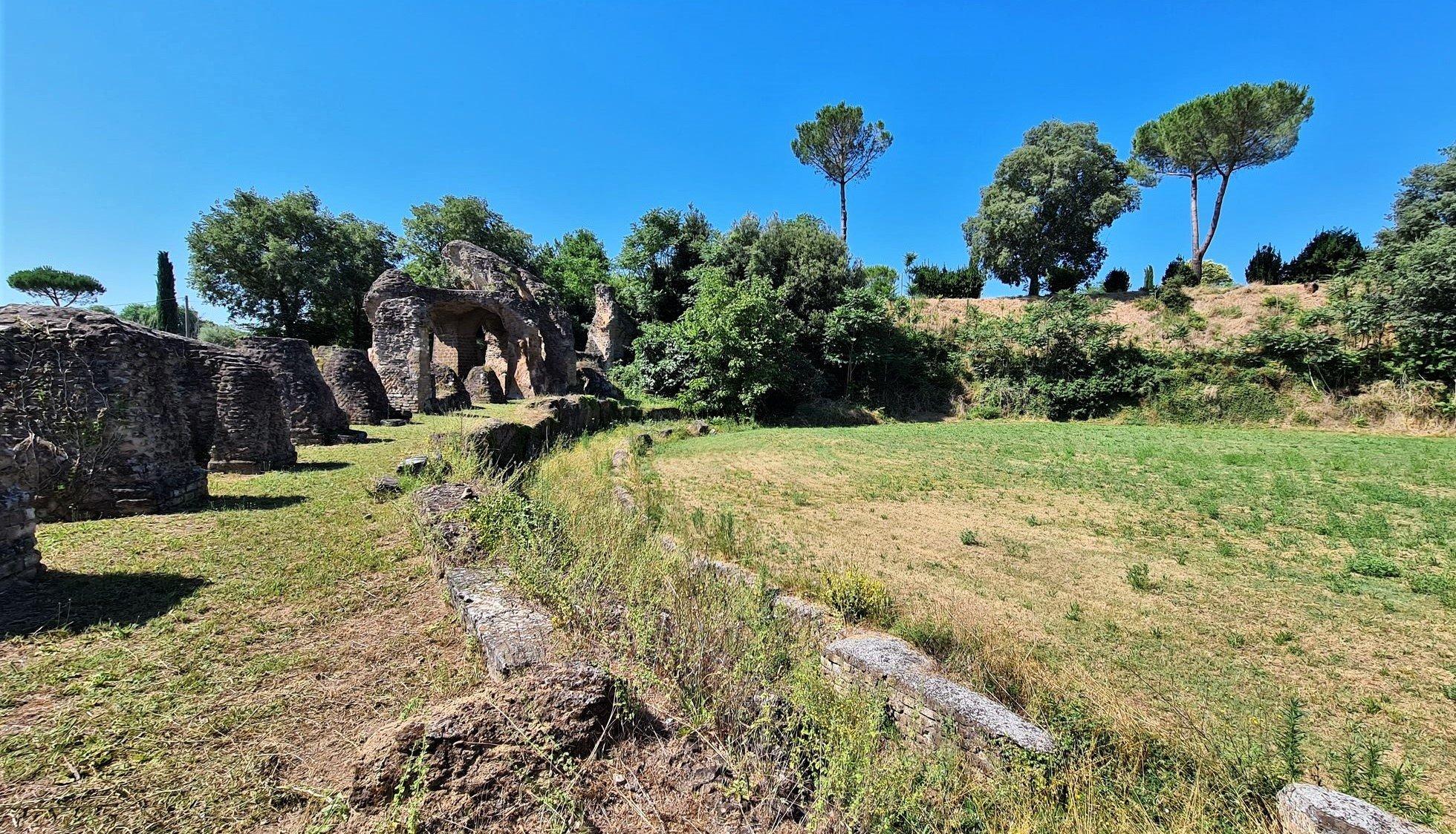 le rovine dell'anfiteatro