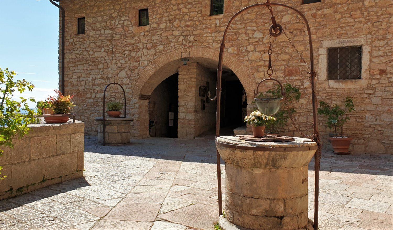 Cosa aspettarsi dalla visita all'Eremo delle Carceri in Umbria