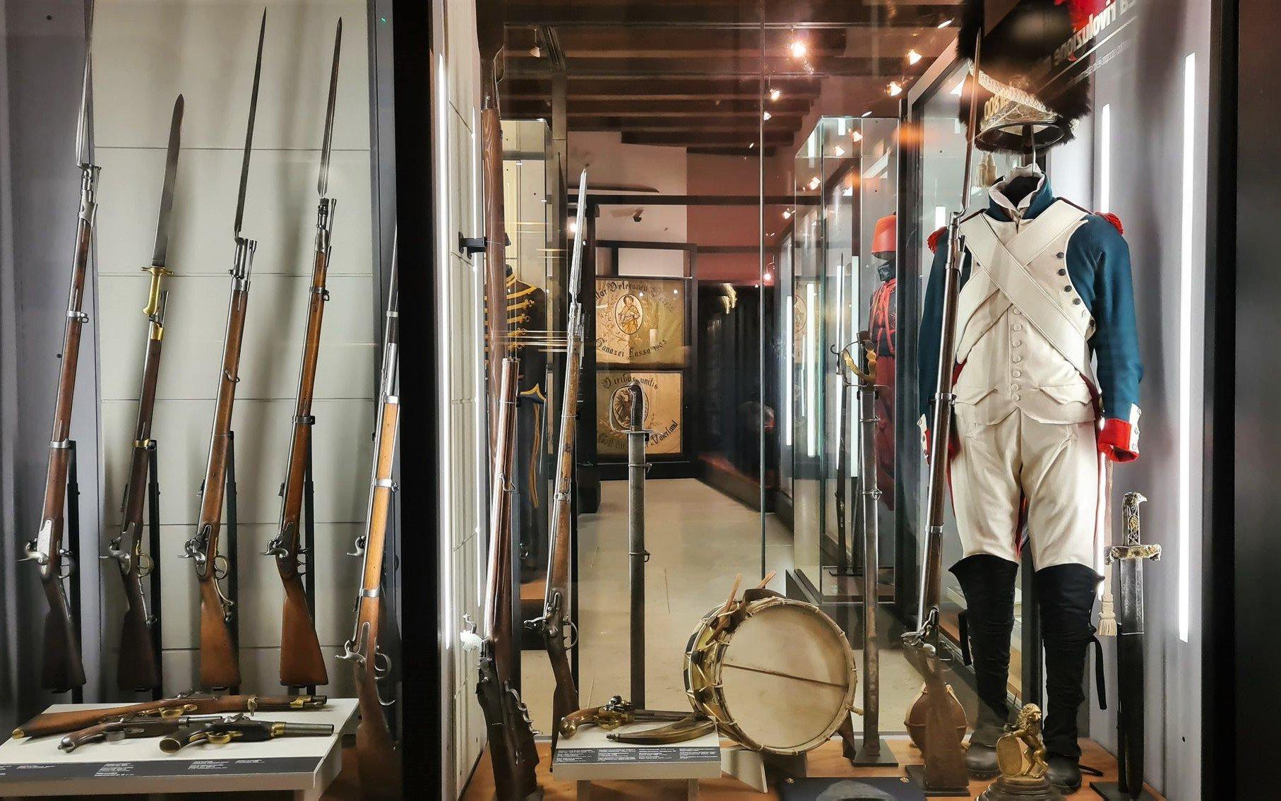 Armi e divise storiche