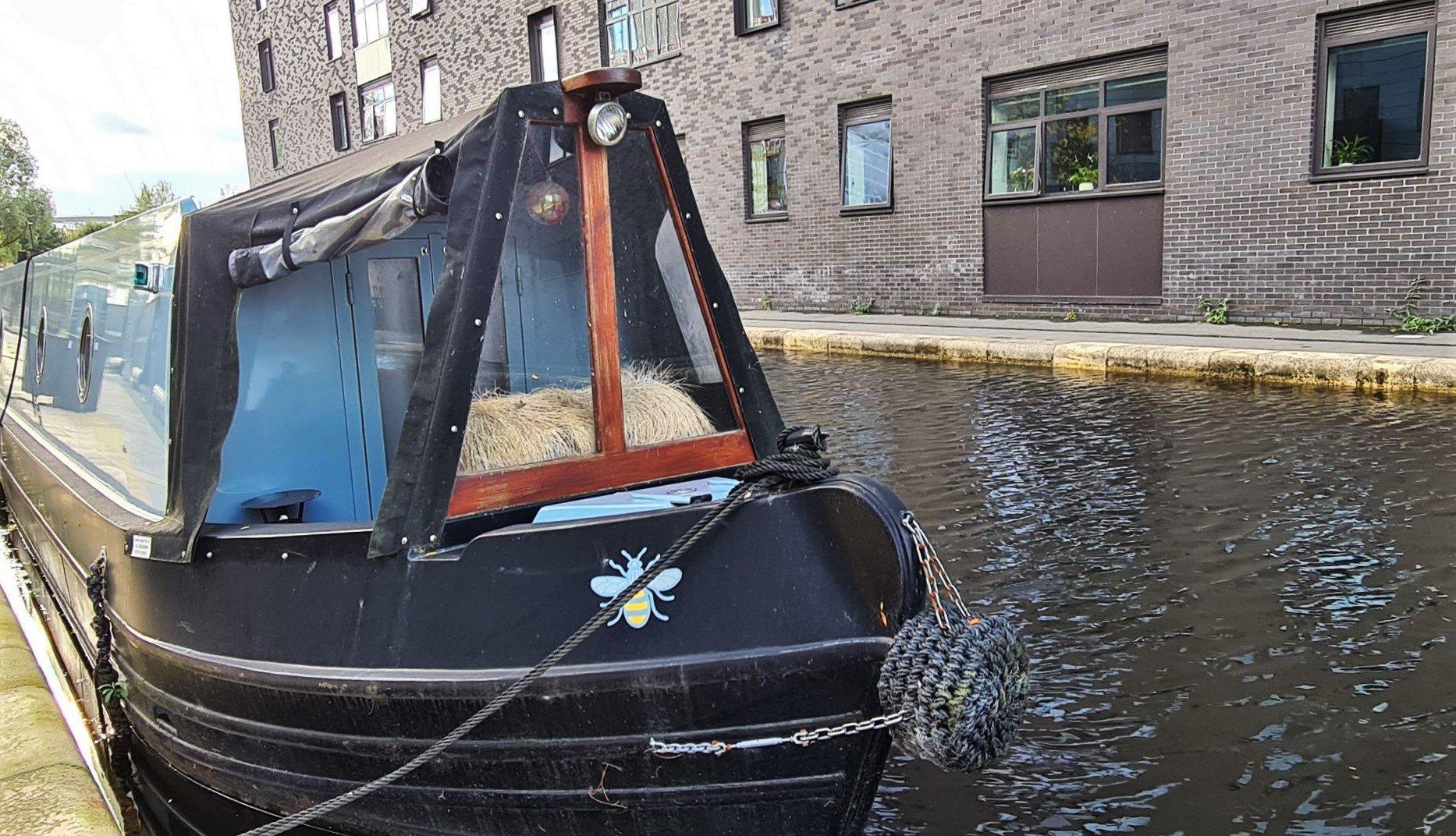 Le narrow boat