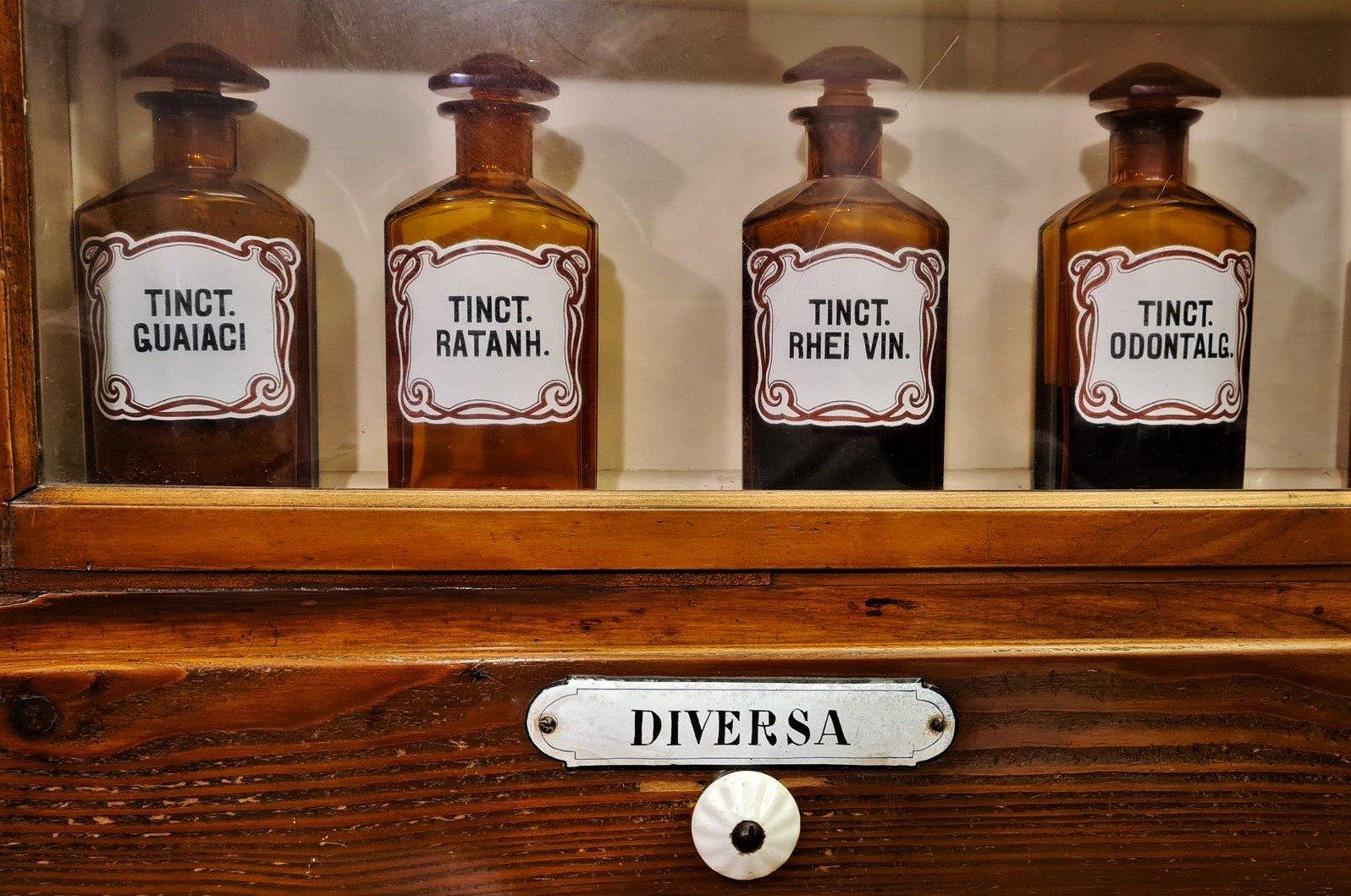 Trentino Visitare la Farmacia Foletto in Valle di Ledro