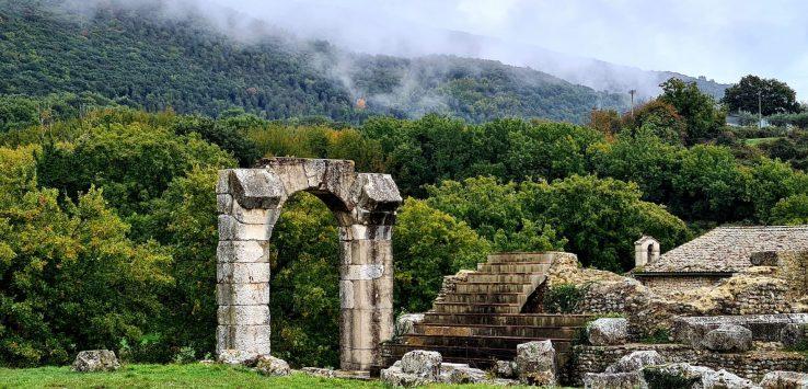 Raccontare l'antichità Intervista a Claudia, archeologa di Carsulae
