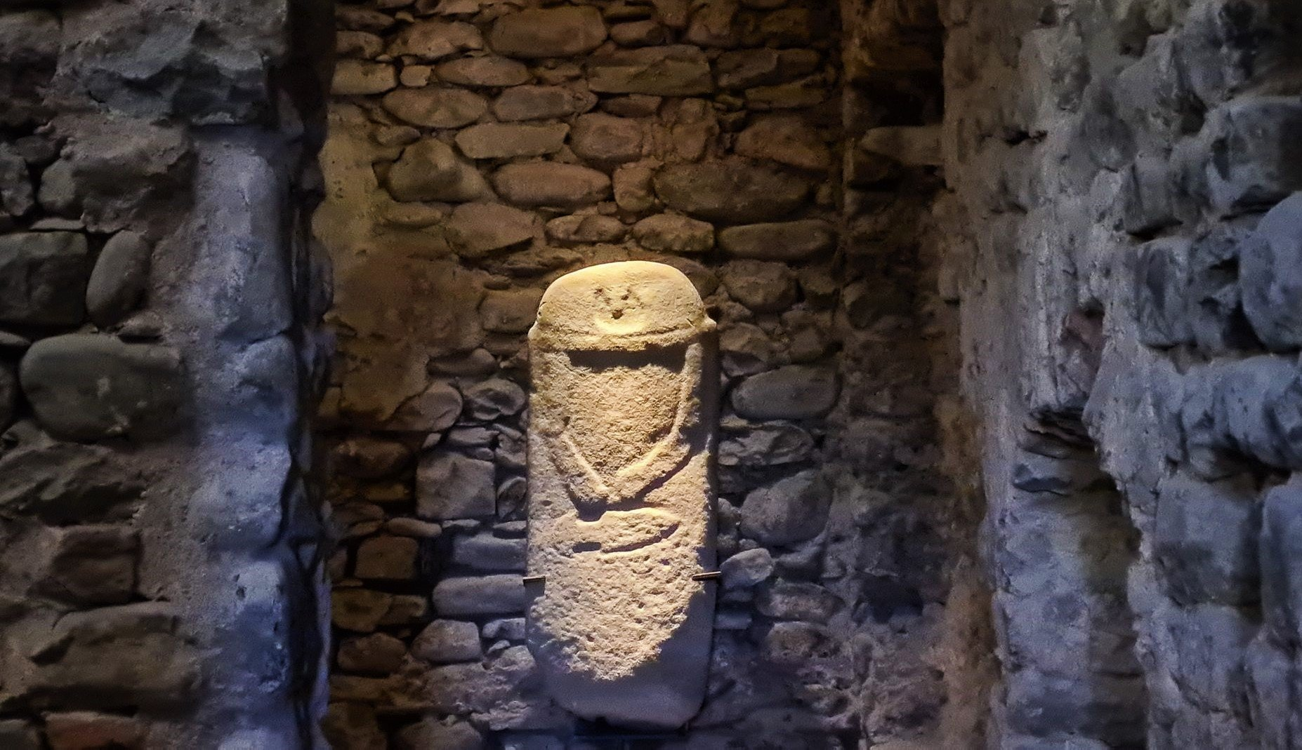 Che cosa sono le statue stele della Lunigiana