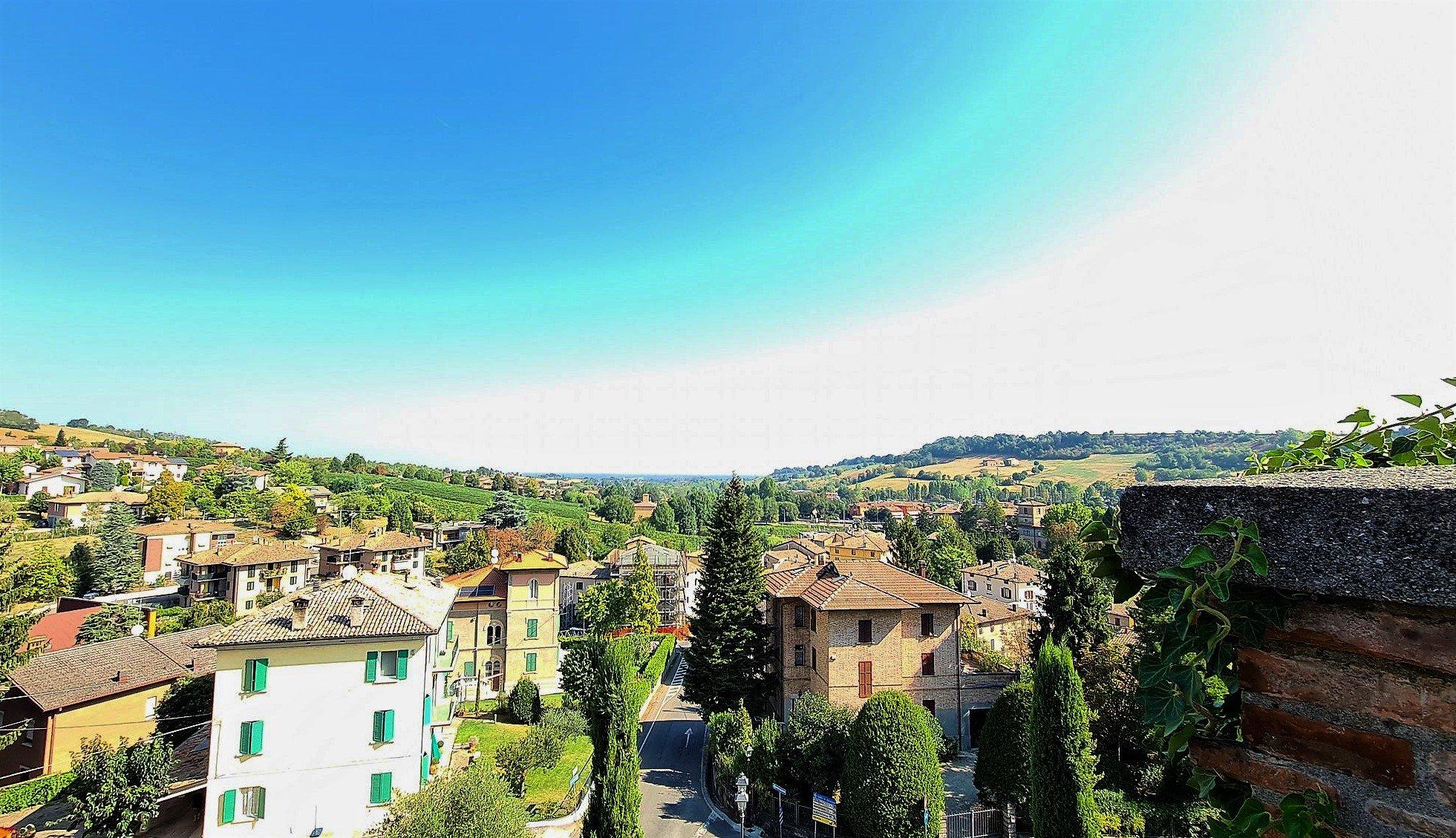 Il panorama da Castelvetro